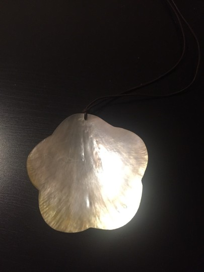 Unknown Delicate Shell Statement Necklace