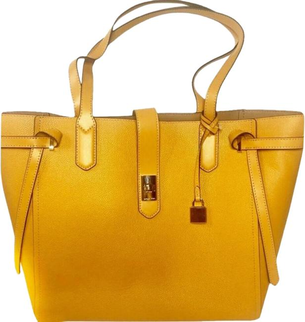 Item - Cassis Tote Mustard Leather Shoulder Bag
