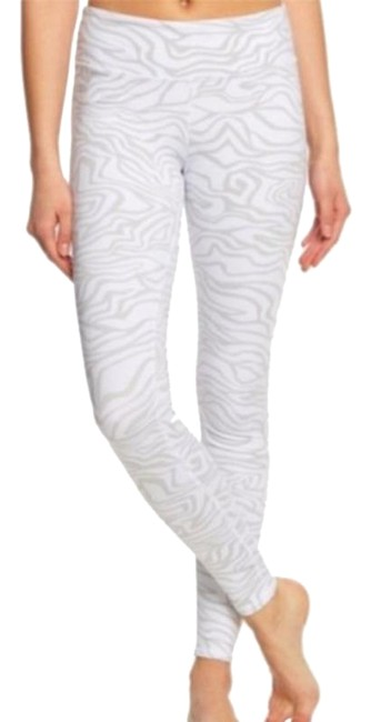Item - White / Gray Zebra Airbrush Activewear Bottoms Size 2 (XS, 26)