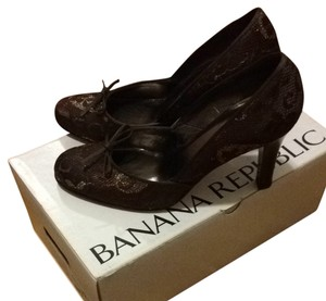 Banana Republic Brown Pumps