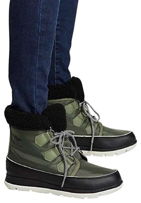 Item - Hiker Green and Black Explorer Carnival Ankle Boots/Booties Size US 7 Regular (M, B)