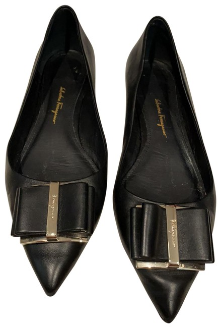 Item - Black Pointed Flats Size US 8 Wide (C, D)