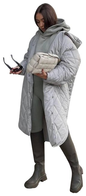 Item - Silver | Oversized Quilted Puffer Coat Size 8 (M)