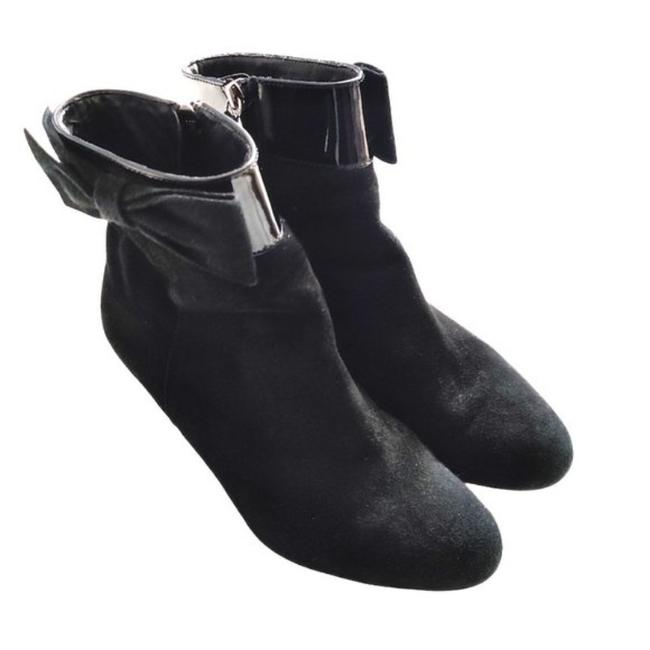 Item - Black Suede Ankle with Bow On The Boots/Booties Size US 7.5 Regular (M, B)