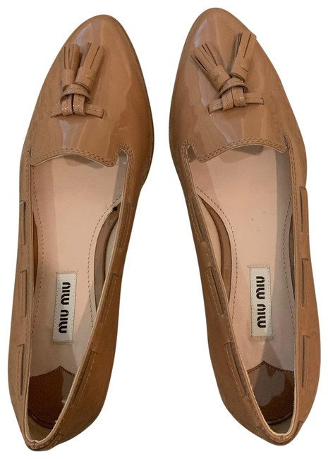 Item - Brown Loafers with Tassels Flats Size US 7 Regular (M, B)