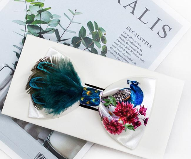 Item - White Green New Hand Made Peacock Feather Floral Gift Tie/Bowtie