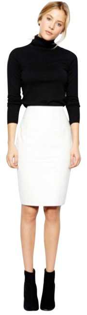 Item - White Leather Pencil Skirt Size 2 (XS, 26)