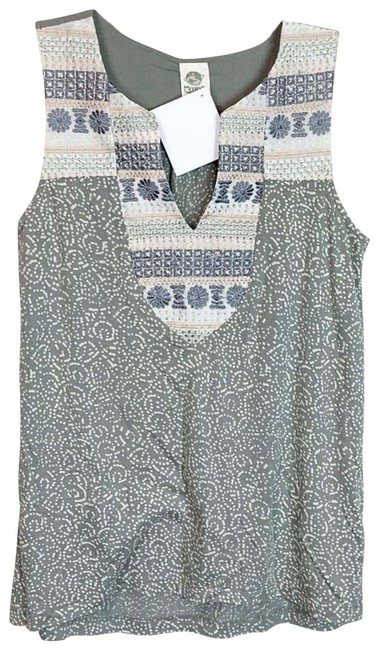 Item - Green XS Embroidered Sleeveless Blouse Size 2 (XS)