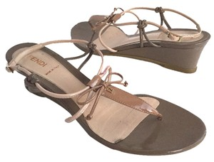 Fendi Thong Bow Buckle Strappy Brown Sandals