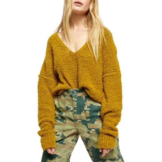 Item - Finders Keepers Medium Green Sweater