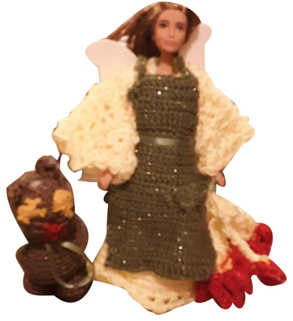 Item - Yellow and Sparkling Green Angel Barbie Her Cat