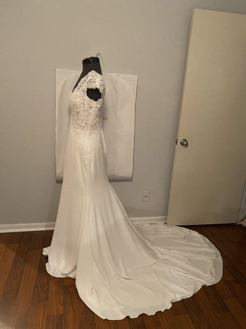 Item - Ivory and Nude Crepe Chantilly Lace Milady Feminine Wedding Dress Size 10 (M)