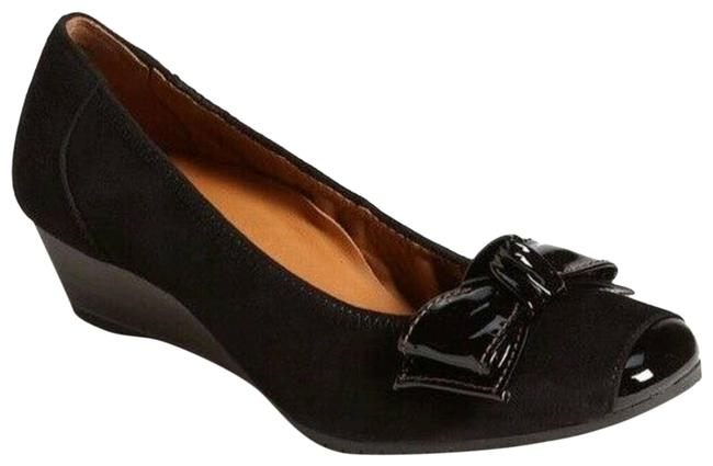 Item - Black Nola Wedge Ballet Bow Captoe Pumps Size US 6 Regular (M, B)