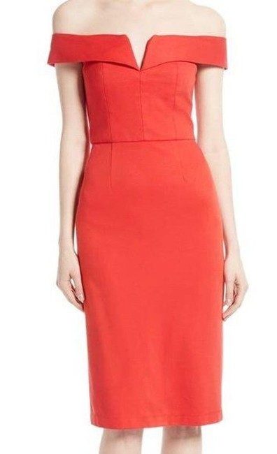 Item - Coral Off The Shoulders Mid-length Cocktail Dress Size 6 (S)