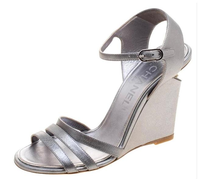 Item - Silver Metallic Leather Ankle Strap Faux Pearl Wedges Size EU 37 (Approx. US 7) Narrow (Aa, N)