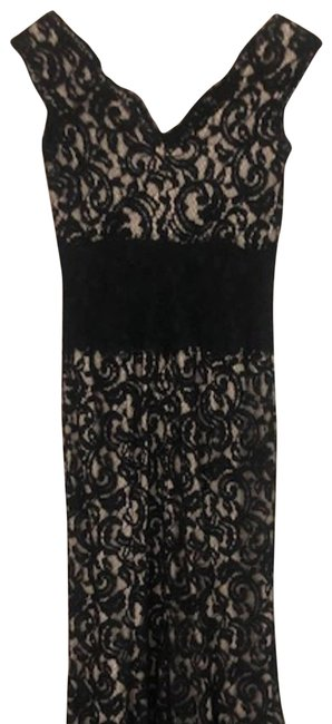 Item - Black Cap Sleeve Lace Gown Long Formal Dress Size 2 (XS)