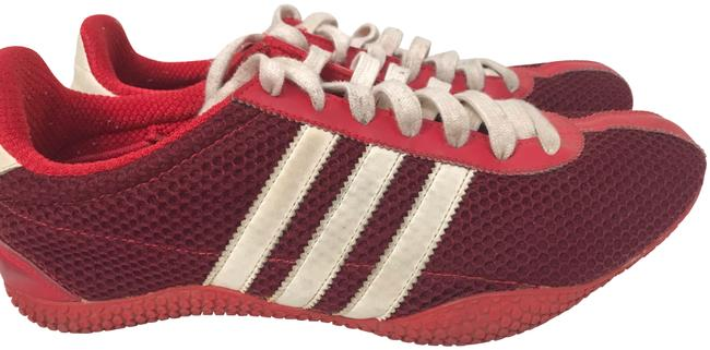 Item - Red Middle- and Long-distance Runners Sneakers Size US 8.5 Regular (M, B)