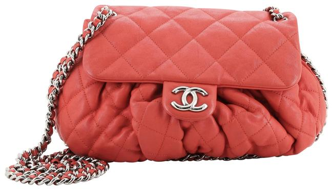Item - Classic Flap Chain Around Quilted Medium Red Leather Cross Body Bag