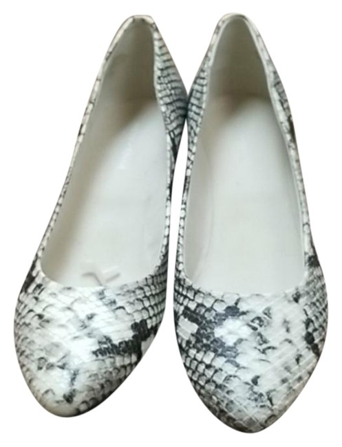 Item - Black White Abelle Wedges Pumps Size US 8.5 Regular (M, B)