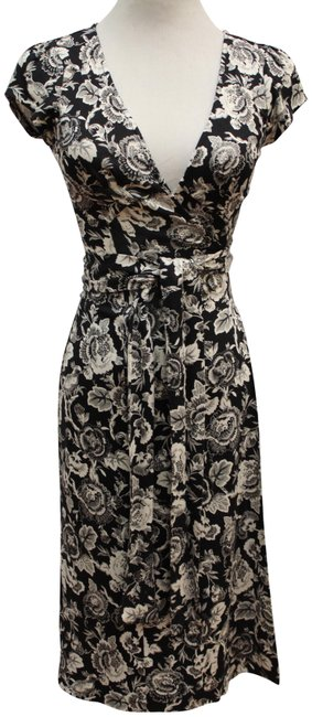 Item - Black/White Floral Silk Cap Sleeve Wrap Short Work/Office Dress Size 2 (XS)