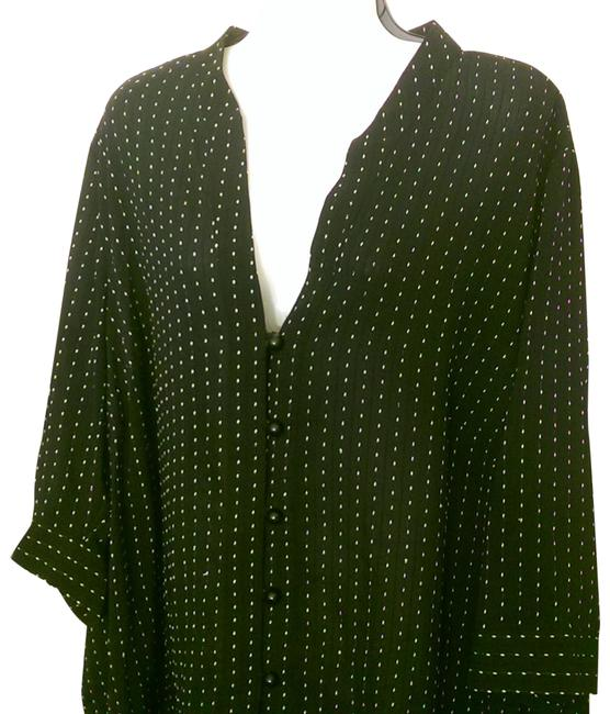 Item - Black W/White Vertical Accents Synthetic 90% Polyester 10% Rayon Blend 2xl 22;/24 Tunic Size 22 (Plus 2x)
