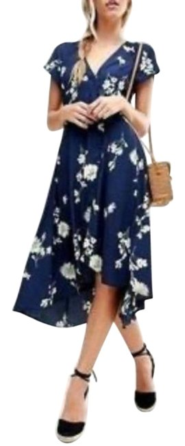 Item - Navy Blue / White Lost In You Floral Wrap Midi Mid-length Casual Maxi Dress Size 8 (M)