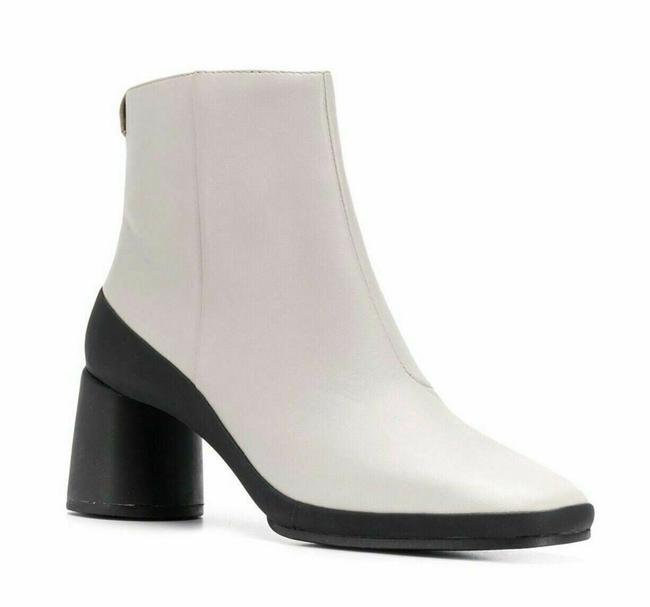 Item - Creamy Beige Upright Ovine Leather Ankle Boots/Booties Size EU 39 (Approx. US 9) Regular (M, B)