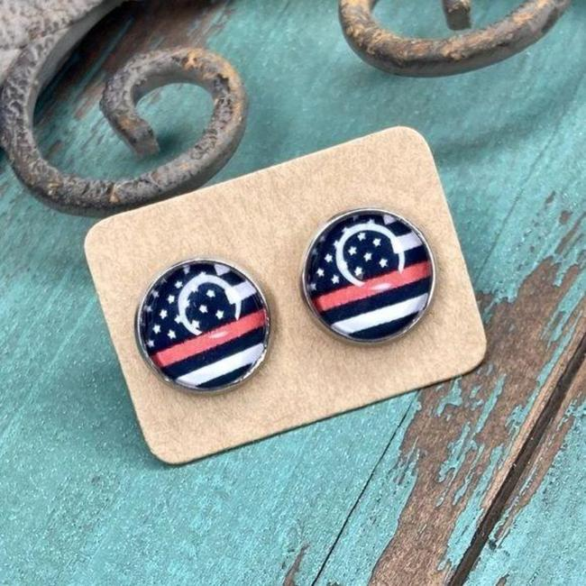 Black Red Cabochon Stud In Thin Line Flag Design Earrings Black Red Cabochon Stud In Thin Line Flag Design Earrings Image 3
