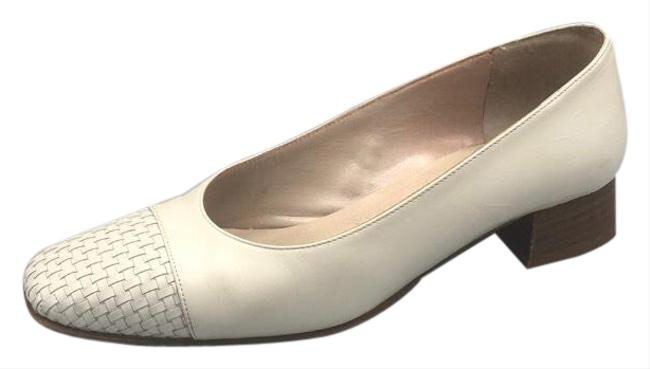 Item - Classic White Leather Pumps Flats Size US 8 Regular (M, B)