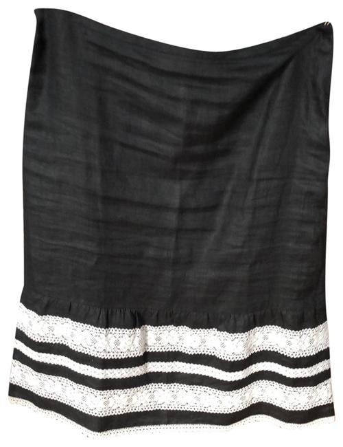 Item - Black with 6 Inches Of White Lace Skirt Size Petite 0 (XXS)