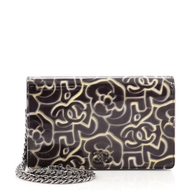 Item - Wallet on Chain Camellia Printed Multicolor Patent Leather Cross Body Bag