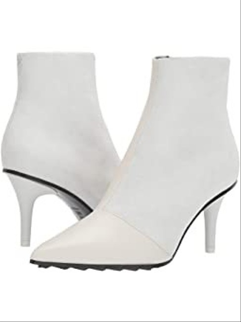 Item - White And Boots/Booties Size EU 36 (Approx. US 6) Narrow (Aa, N)