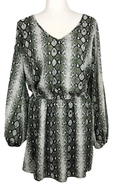 Item - Gray/Green Rainey Snakeskin Mini Short Casual Dress Size 8 (M)
