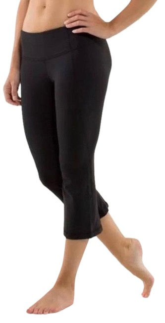 Item - Black Gather And Activewear Bottoms Size 8 (M)