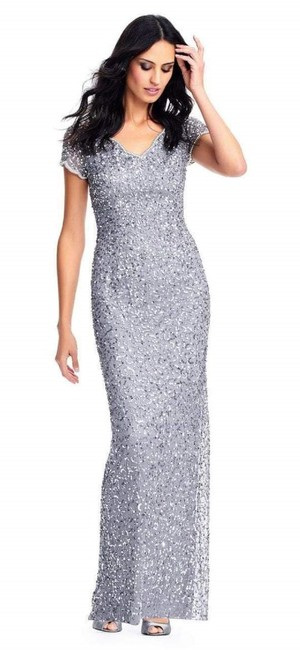 Item - Silver Gray V-neck Short Sleeves Sequin Gown Formal Bridesmaid/Mob Dress Size 10 (M)