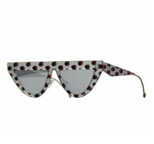 Item - Multi Color Silver Cat Eye Sunglasses