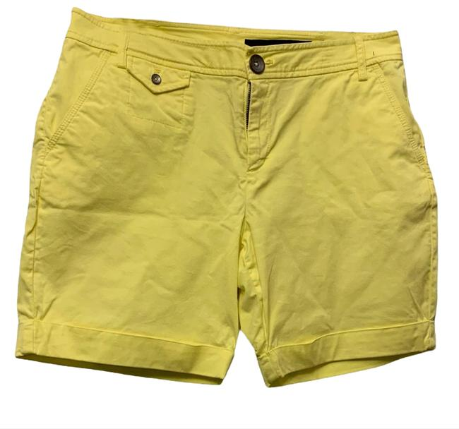 Item - Yellow Canary Shorts Size 8 (M, 29, 30)