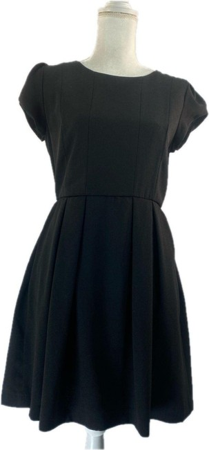 Item - Black Short-sleeve Fit & Mid-length Night Out Dress Size 4 (S)