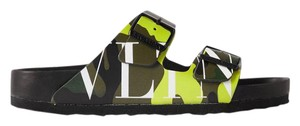 Item - Green + Birkenstock Garavani Arizona Printed Leather Sandals