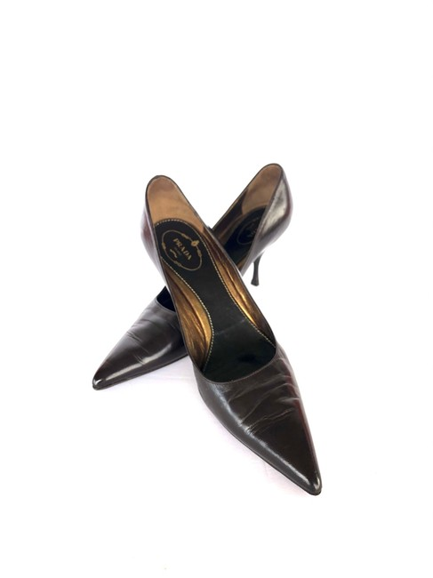 Item - Brown Classic Pointy Pumps Size US 9.5 Regular (M, B)