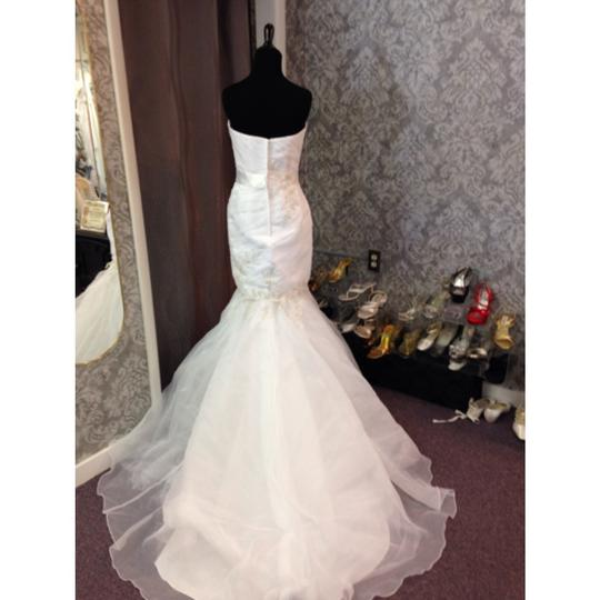 Alfred Angelo White Organza and Satin Modern Wedding Dress Size 6 (S)