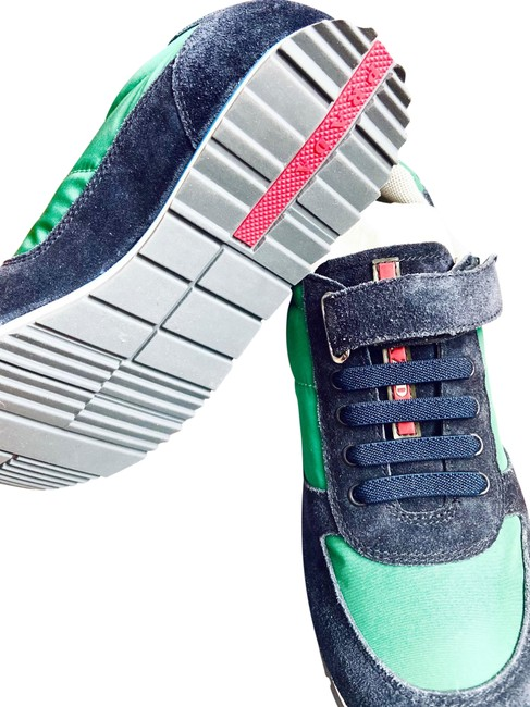 Item - Green and Navy Blue~ Kids Sneakers Size US 13.5 Regular (M, B)