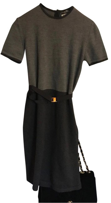 Item - Grey Mid-length Short Casual Dress Size 6 (S)