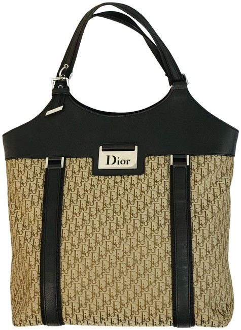 Item - issimo Street Chic Downtown Brown Canvas Tote