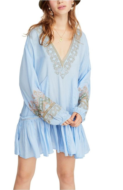 Item - Blue Wild One Embroidered V-neck Short Casual Dress Size 6 (S)