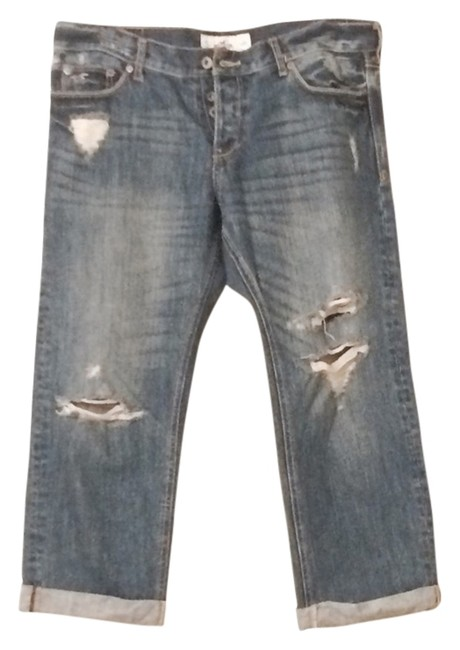 Preload https://img-static.tradesy.com/item/2872627/hollister-blue-distressed-capricropped-jeans-size-27-4-s-0-0-650-650.jpg
