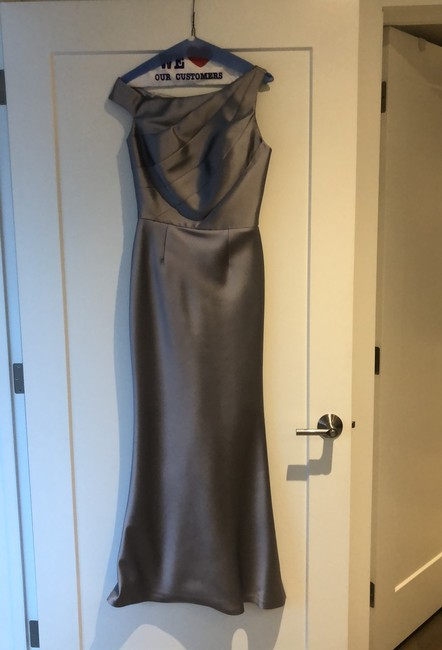 Item - Silver Mist Silk Formal Has Sewn In Cups Which Can Be Removed. Modern Bridesmaid/Mob Dress Size 4 (S)