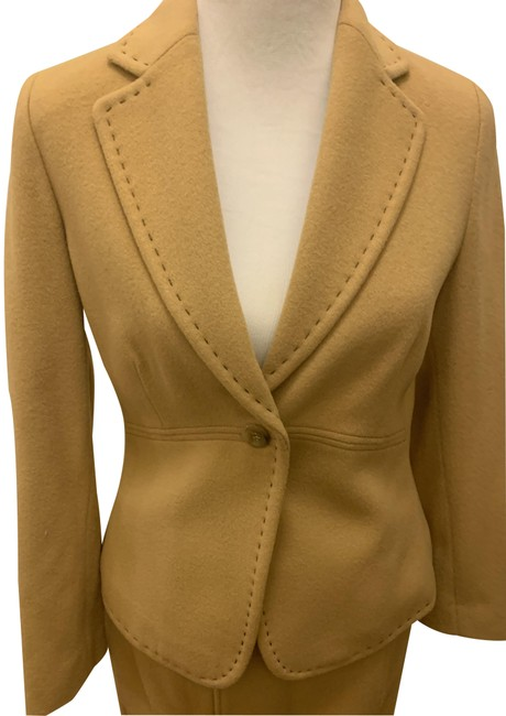 Item - Camel Cashmere Wool No Skirt Suit Size 10 (M)