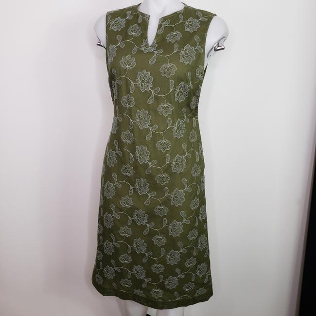 Item - Green Embroidered Floral Mid-length Work/Office Dress Size 6 (S)