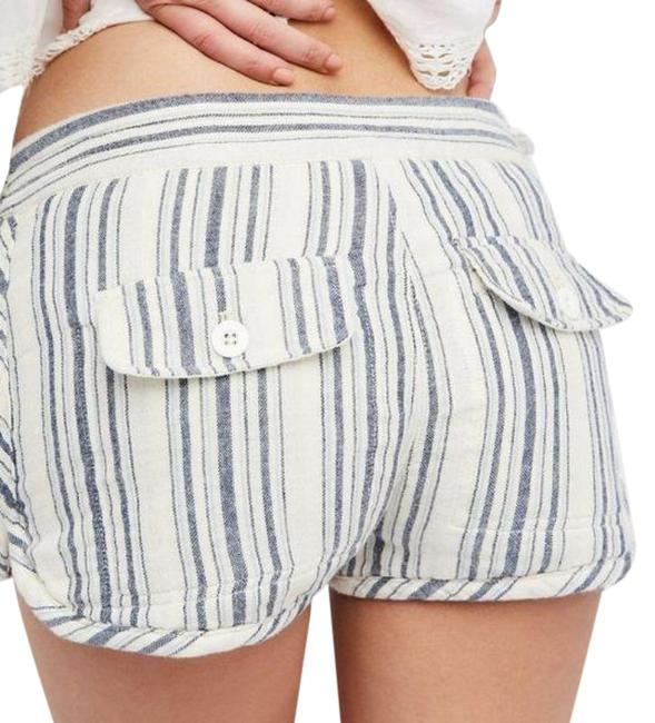 Item - Cream and Blue Shorts Size 6 (S)